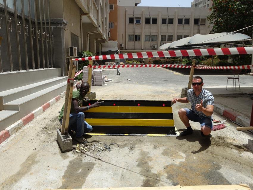 Road blocker, ASECNA, Dakar