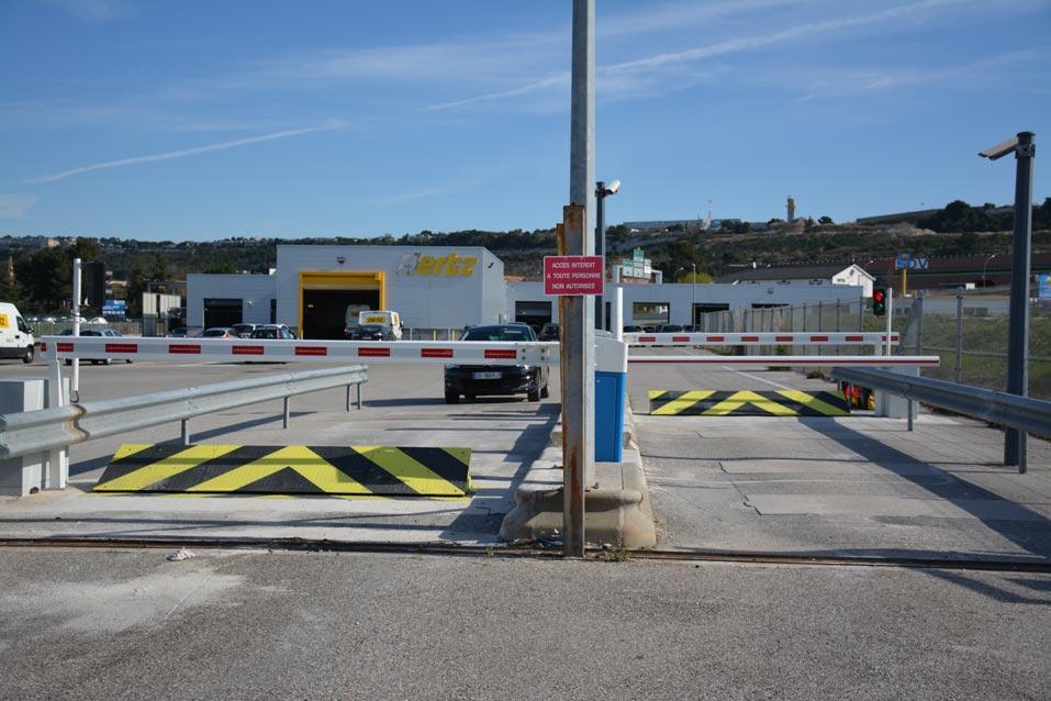 Stradali, Hertz Rent-a-Car in aeroporto, Marsiglia
