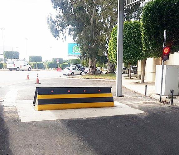 Hochsichere Straßensperren am internationalen Flughafen Beirut