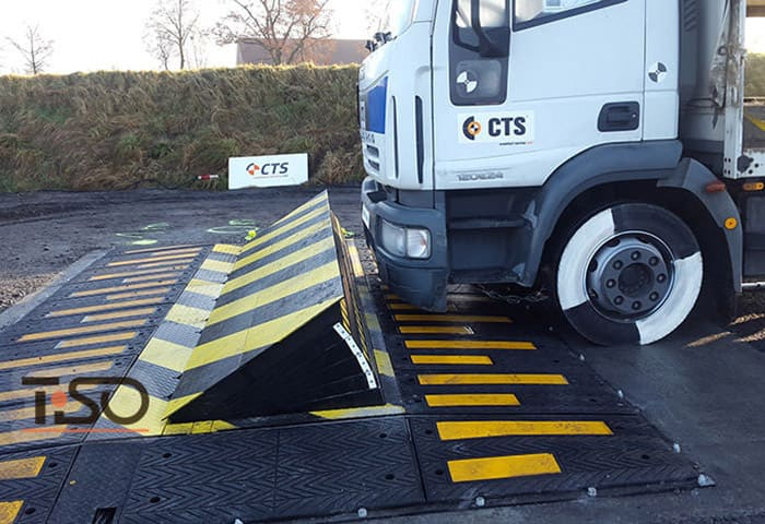 Anti-ram certified road blocker TiSO Speedbump C730