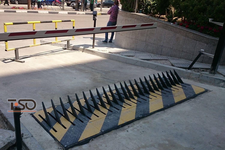 Asesino de neumáticos, sede central de Barclays Bank, El Cairo, Egipto
