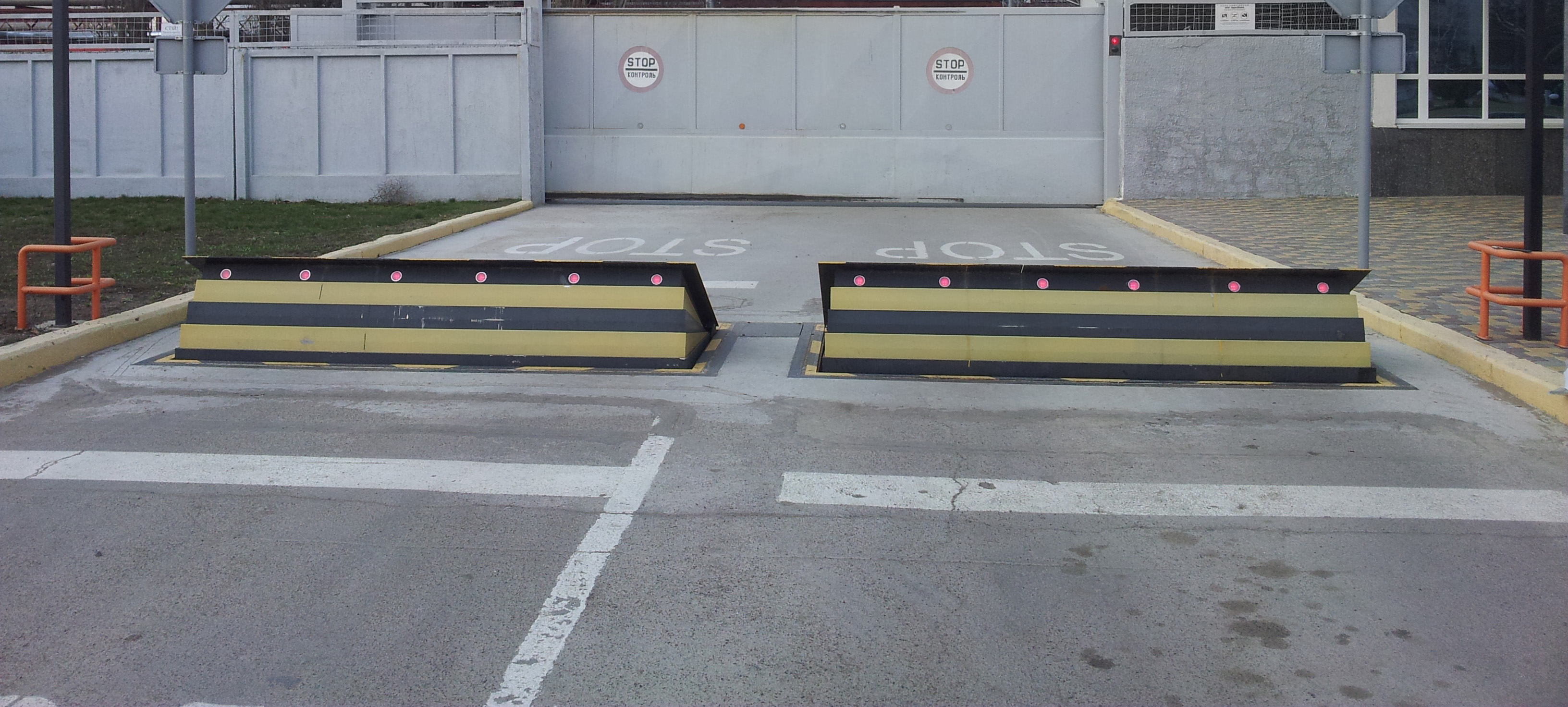 حواجز الطرق الأمنية العالية ، موقع الإنتاج ، أوكرانيا