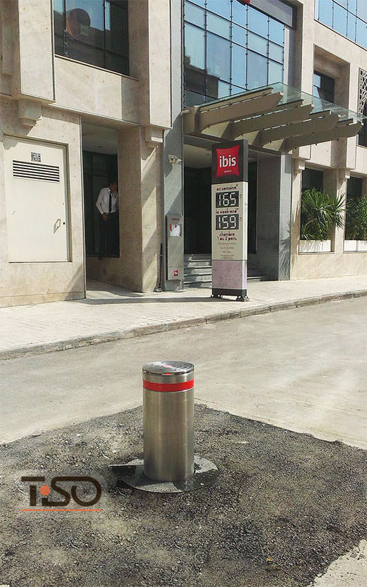 Traffic hydraulic bollard, Hotel IBIS, Tunis
