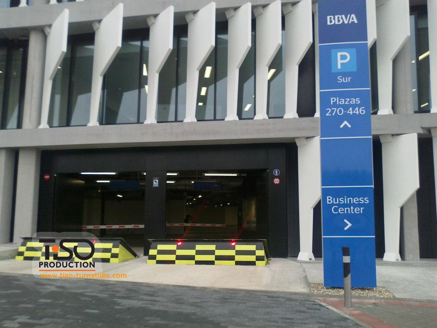 Straßensperren, der Hauptsitz von BBVA, Spanien